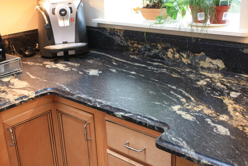 In Our Opinion, This Kitchen Already Had Enough Design Features Without  Adding A Change In Grain Direction. We Decided, By Fabricating The Granite  With The ...
