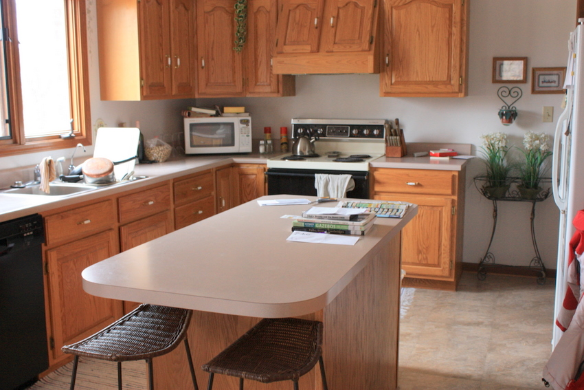 The Stone Studio, granite countertops batesville indiana  THE COLOR