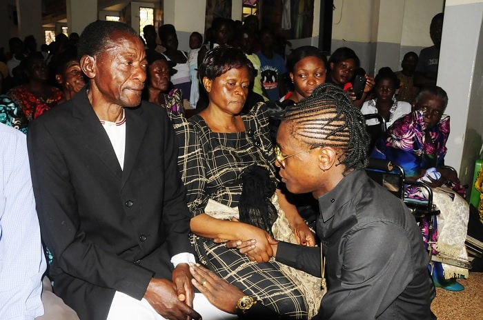 Chameleone seems to comfort the parents