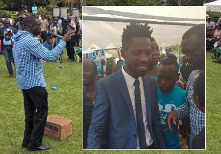 Kizza Besigye addressing his supporters in Najjanakumbi