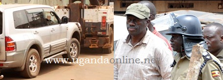 Uganda Police Break down towing Kizza Besigye's car to police
