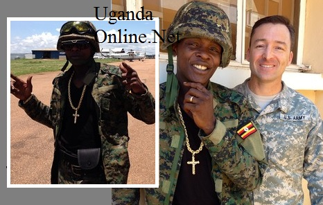 Chameleone with a US cop before take off to the CAR