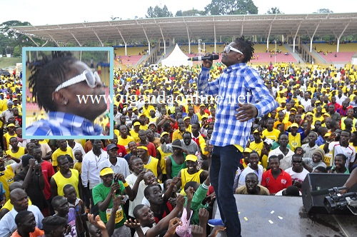 Jose Chameleone performing at Kololo Grounds during the MTN 2012 Marathon