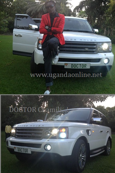 Chameleone poses for a pic on his Range Rover