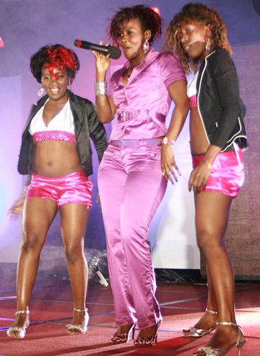 Desire and her queen dancers at the USPA Gala
