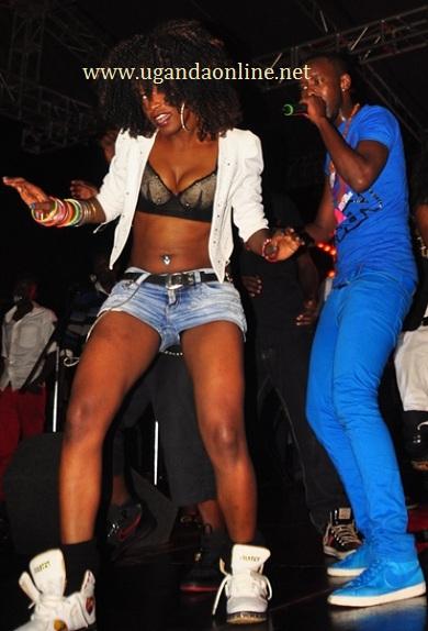 A queen dancer at the Ogenda Kunzisa Launch