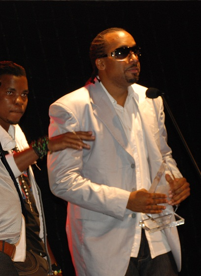 Navio with the PAM Awards Best Hip Hop Artiste Award