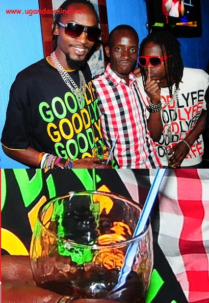 Moze Radio(Black) and Weasel at Club Silk
