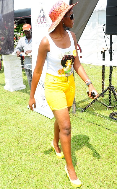 some hot chic at the goat races 2011