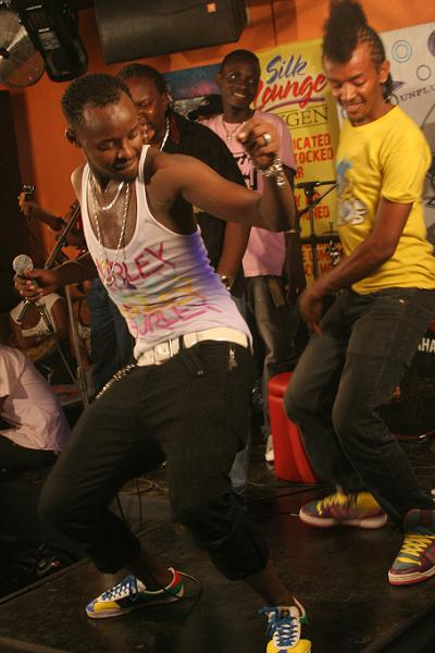Eddy Kenzo and his back up dancer