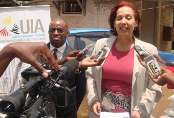 Prof.Maggie Kigozi talking to the press at the Red Cross Offices in Kampala.
