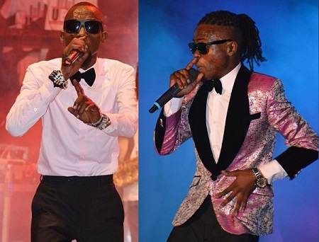 Moze Radio and Weasel on stage