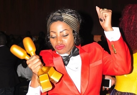 Sheebah Karungi with her two Hipipo awards