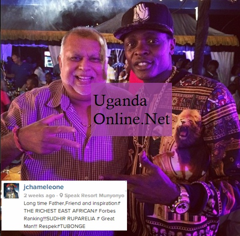Sudhir Ruparelia and Chameleone strike a pose
