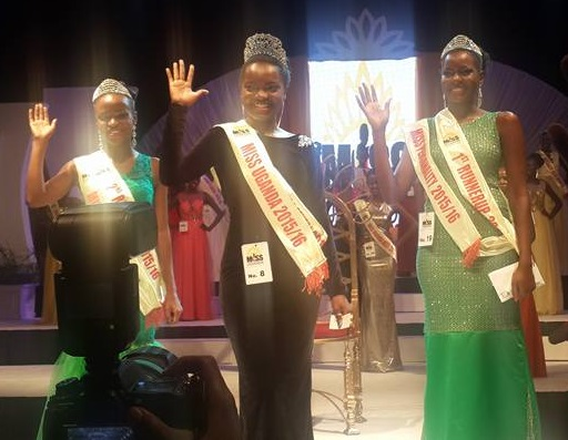 Zahara, first and second runner up wave to the guests